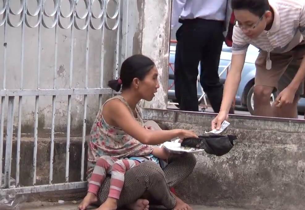 lợi dụng trẻ con đi ăn xin, lợi dụng trẻ con để đi ăn xin