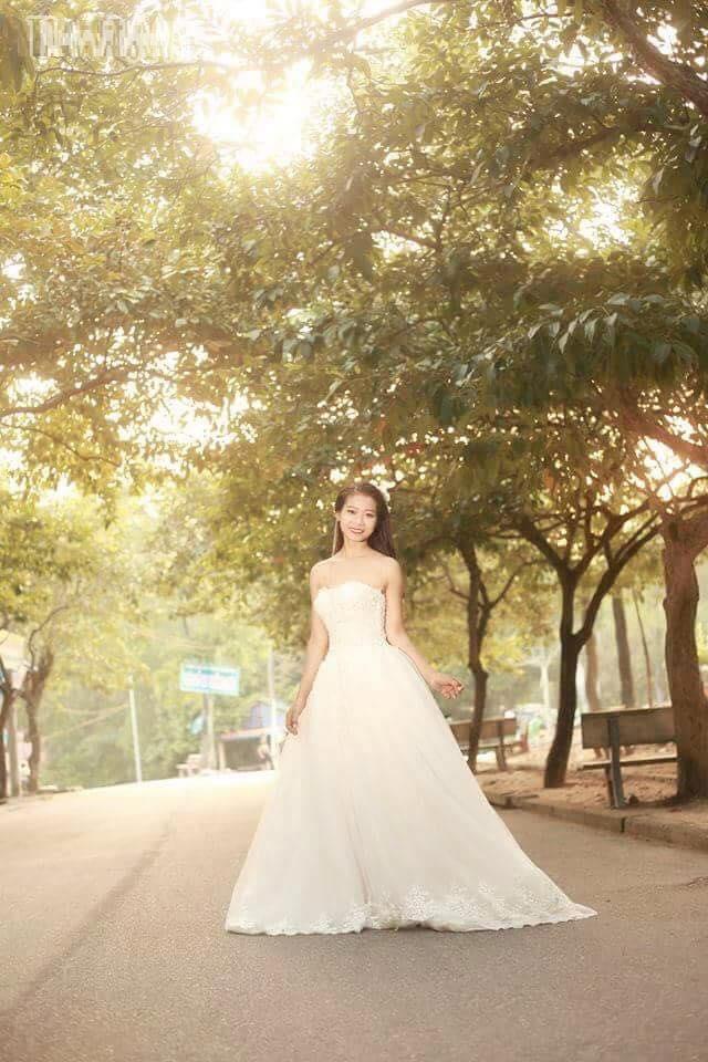 bộ ảnh cưới cô dâu không chú rể khiến người xem đau lòng