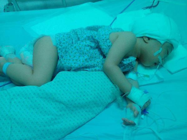 hành trình giành giật lại sự sống cho con của bà mẹ sinh thai đôi đã mất đi một đứa
