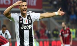 Ronaldo ghi bàn đều tại Man Utd