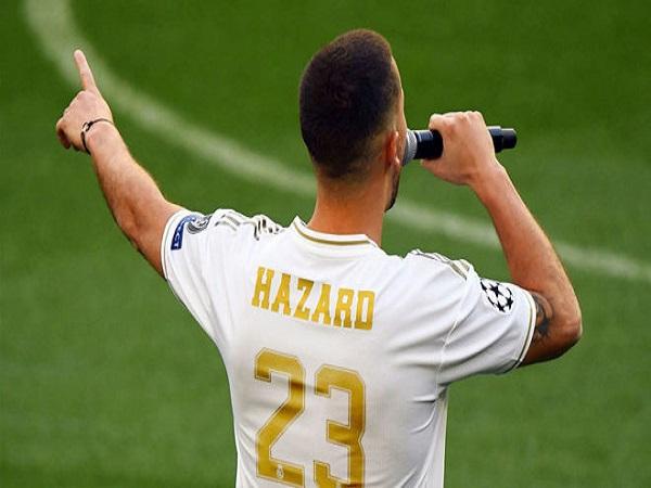 """""""Bom tấn"""" Hazard nhận số áo ở Real"""