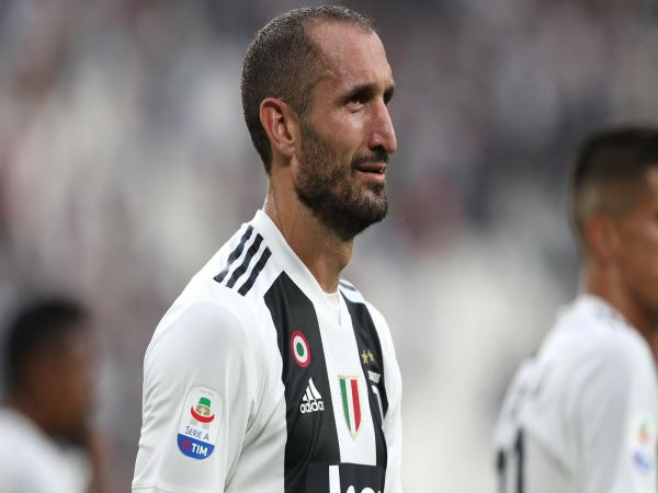 Chiellini tiếp tục khoác áo Juventus