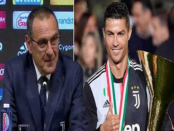 Ronaldo giúp HLV Sarri đi vào lịch sử bóng đá Ý
