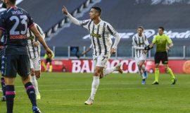 Tin bóng đá 8/4: Ronaldo sánh ngang Messi