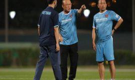 Tin thể thao 2/6: HLV Park Hang Seo họp khẩn chia việc cho BHL
